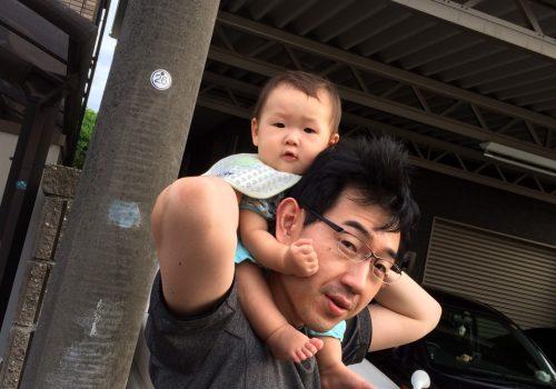 パパ部 パパは君が好き。君もパパが好き。-赤ちゃんを肩車する事故が増えているそうです