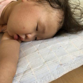 深夜に起きる赤ちゃん